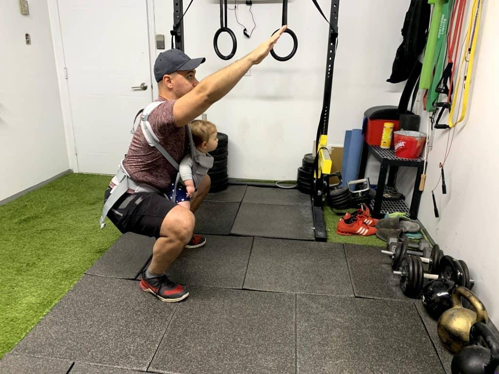 babywearing squat (11)