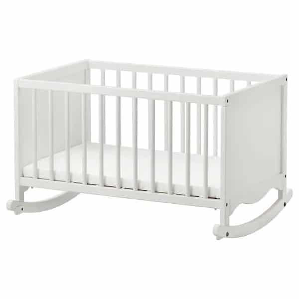 cadle vs crib or bassinet